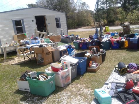 Garage Sales Baby Stuff by Yard Sale Items Lots And Lots Of Items For Low Low Prices