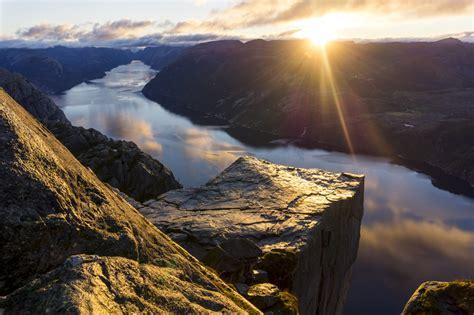 preikestolen sunrise hike  outdoorlife norway outdoyo