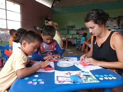 volunteer craft projects care community in ecuador for high school students
