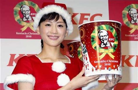 images of japanese christmas christmas traditions around the world