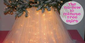 pallet tree skirt winter snowflake pallet sign design dazzle