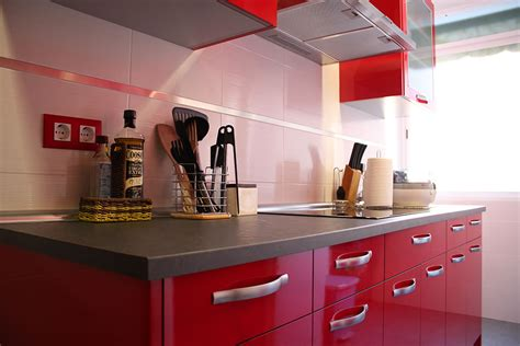 imagenes de cocinas integrales rojas video decorando la cocina con el color rojo