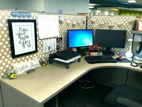 decoration ideas  office desk work cubicle decoration