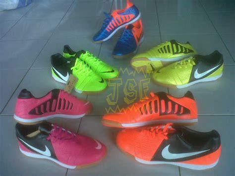Sepatu Futsal Cr7 Terbaru sepatu futsal cr7 replika italy grosir sepatu futsal