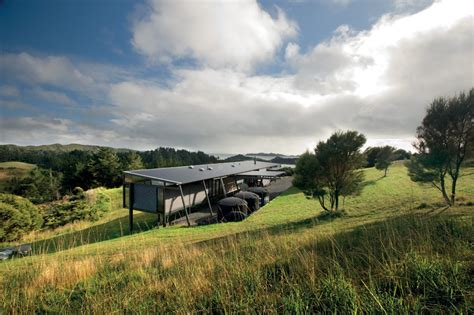 new zealand home decor bvn donovan hill places mann house in new zealand landscape