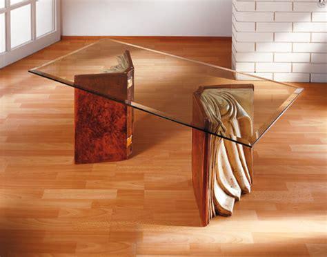 un importante particolare il tavolino da caff 232