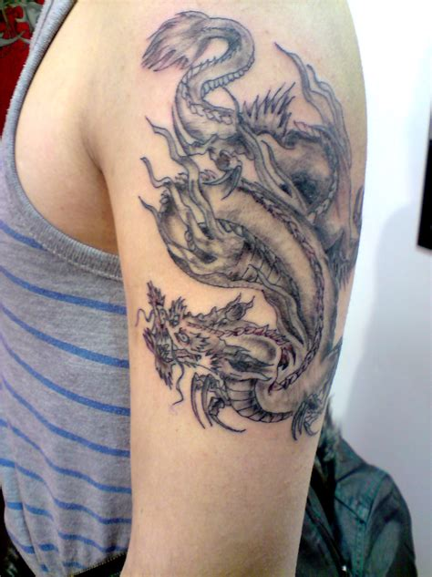 dragon tattoo designs on hand traditanol picture