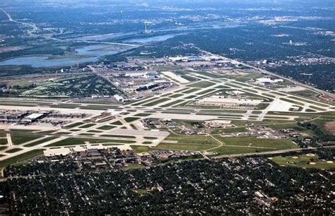 minneapolis st paul airport this airport is like a city where i ve been aeropuertos