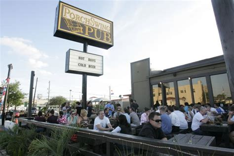 porch swing pub de visita en porch swing pub houston chronicle