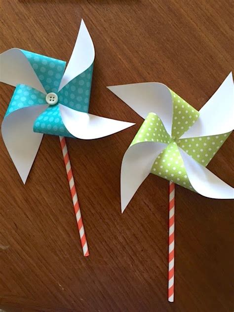 Paper Pinwheels - sew many ways how to make paper pinwheels