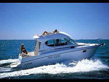 motor boat with living accommodation motor boat jeanneau merry fisher 805 code man24