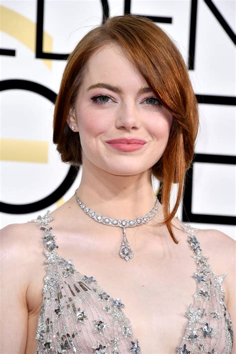 emma stone upcoming movies 2017 emma stone s golden globes 2017 beauty look pret a reporter