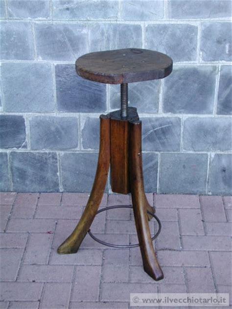 sgabello tecnigrafo sgabello vecchio tecnigrafo in legno anni 30 ca