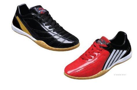 Sepatu Bola Yang Murah petualang si bolang trik memilih sepatu futsal yang cocok