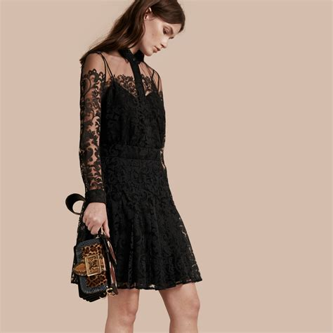 Dress Lace Greiny lace shirt dress burberry