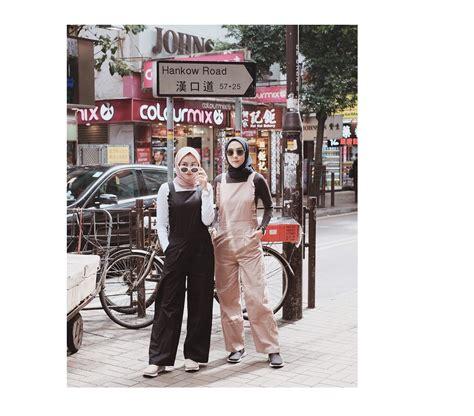 traveling sama sahabat yuk contek gaya selebgram