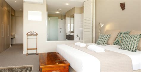 open plan bedroom ensuite byron bay wedding accommodation holiday rentals