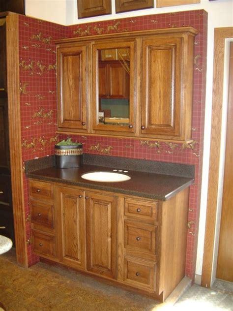 Showroom Displays Traditional Kitchen Cabinetry | showroom displays traditional kitchen cabinetry