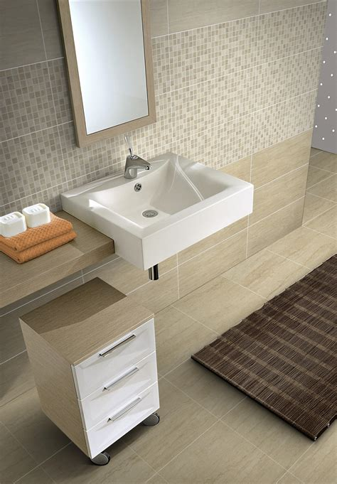 piastrelle in travertino rivestimento bagno travertino mosaico beige 20x50x0 7 cm