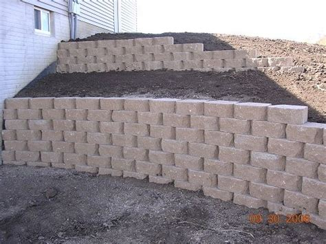 backyard retaining wall 17 best ideas about backyard retaining walls on pinterest sloped backyard terraced