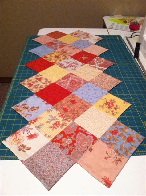 pattern for zig zag table runner pin by mary anderson on quilting pinterest
