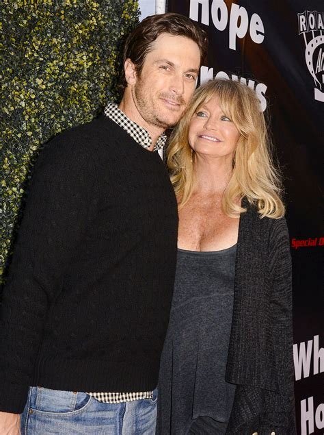 oliver hudson wedding goldie hawn says son oliver hudson nearly died at 1 day