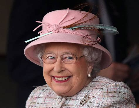 how many corgis does the queen have queen elizabeth spends a whopping 163 16 on her socks and