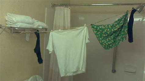 Diy Rubber Band Travel Clothesline Lifehacker Australia