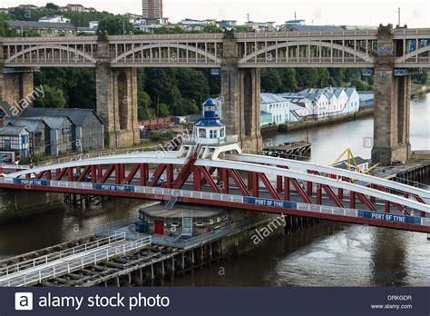 swing tyne swing bridge at port of tyne newcastle upon tyne england