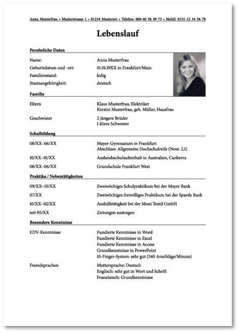 Lebenslauf Ausbildung Zur Krankenschwester 25 Best Ideas About Lebenslauf Bewerbung Muster On Cv Muster Bewerbung Muster And