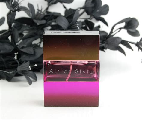 Air Stylers Reviews by Mac Cosmetics Air Of Style Fragrance Review Swatch And