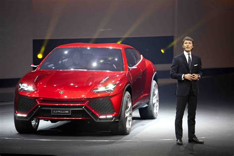 Lamborghini Urus Mpg Lamborghini Urus Suv Debuts Business Car Manager