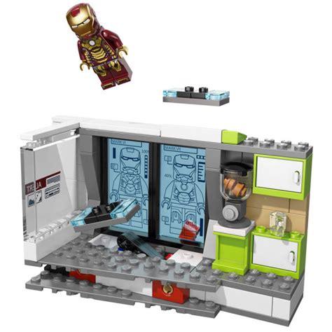 Lego 76007 Iron Malibu Mansion Attack lego iron malibu mansion attack 76007 toys zavvi