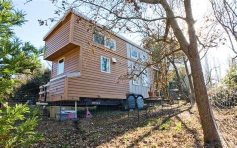Small Eco House Designs Uk Alek Lisefski S 8 X20 Home On Wheels The Shelter