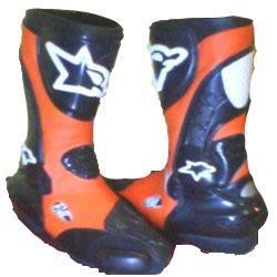 Sepatu Roda Cikarang sepatu balap atau roadrace d zoner bikers clothing