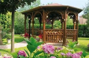 Galerry gazebo in legno di design