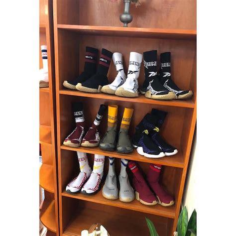 Vetements X Reebok Sock Runner Hk Pop Up preview vetements x reebok f w2019 sock sneakers hashtag legend