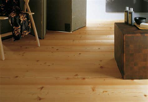 listoni legno pavimento larice il pavimento della tradizione della montagna