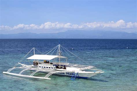 fishing boat in the philippines filipino fishing boat