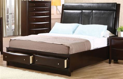 phoenix bedroom set phoenix upholstered storage bedroom set from coaster