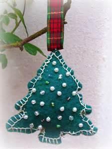 Handmade Tree Decorations - wip wednesday felt tree ornament tutorial
