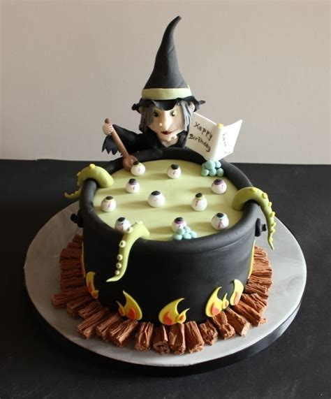 halloween themed cakes best 25 witch cake ideas on pinterest halloween cakes