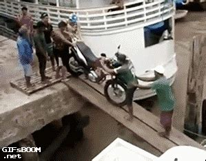 motorcycle fail gif find  gifer