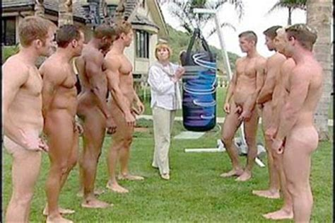 Naked Guy Cfnm Public Hot Girls Wallpaper