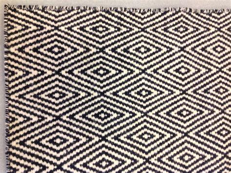 tappeto bianco e nero tappeto geometrico casa collection bianco e nero