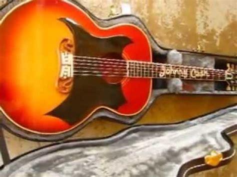 Johnny Cash's 1959 Gibson Gibson J-200 guitar - YouTube J 200