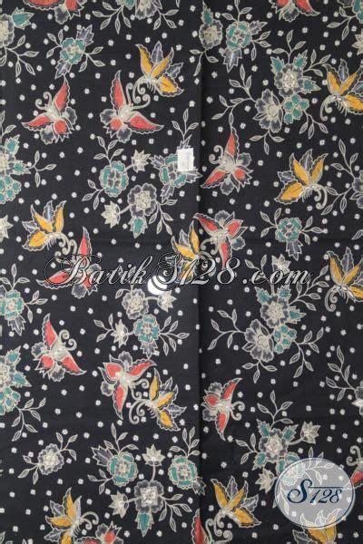kain batik warna hitam gelap dengan motif kupu bertautan model baju batik modern 2018