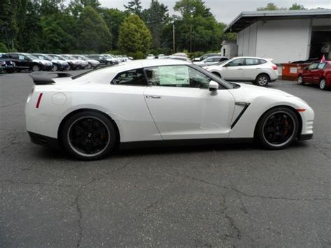 nissan gtr black edition white buy 2014 nissan gtr black edition white black and