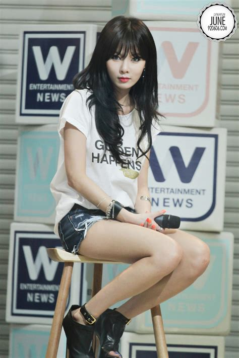 4minute s hyuna clride n photoshoot daily korean 4minute hyuna omgomg i love hyuna dies from the ultra