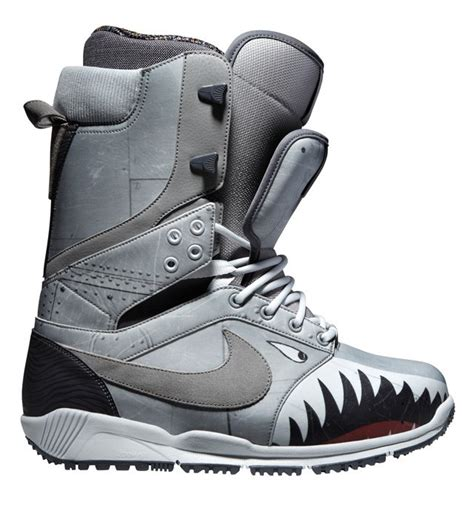 best snowboarding boots 15 best snowboard boots for men and women pirates of powder